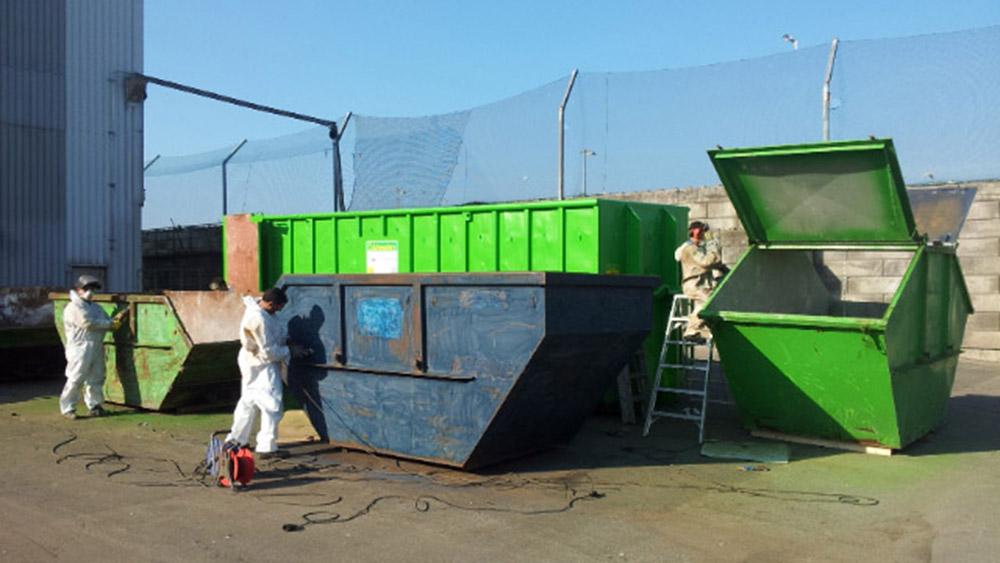 vor Ort Containerinstandsetzung und Lackierung